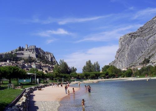 G te baignade en torrent et eau vive - Camping provence avec piscine ...